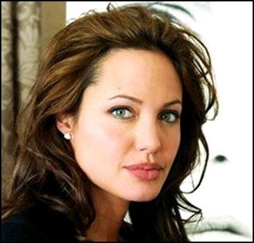 Анджелина Джоли: Меня чаще просят одеться, а не наоборот