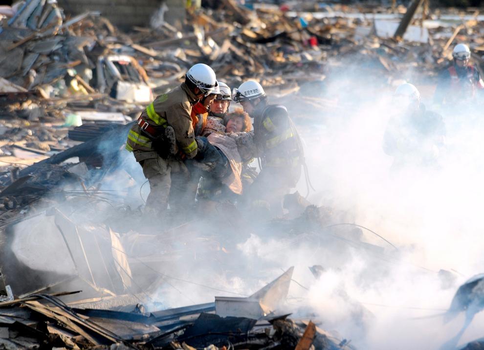 Япония: землетрясение, цунами, разруха... (11-03-2011)