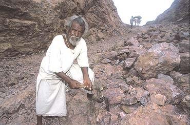 Индийский крестьянин Дашратх Манджхи (Dashrath Manjhi)