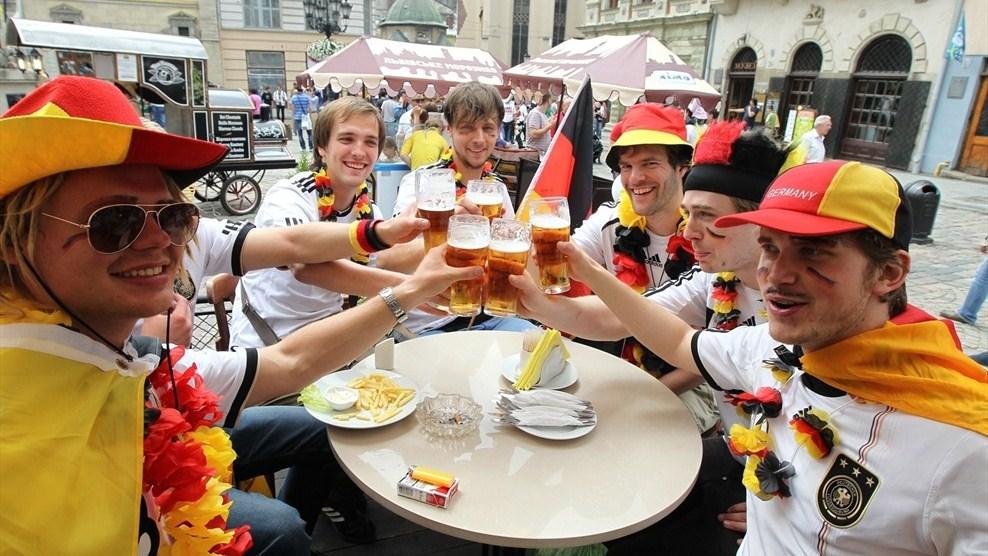 Фанати за два дні випили у Києві 30 тисяч літрів пива