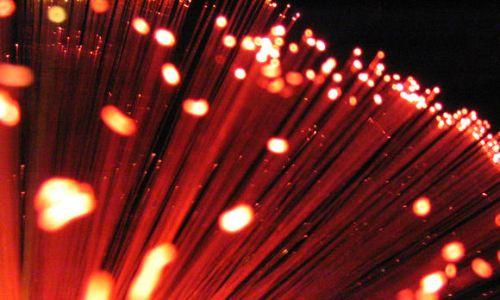 """Ученые """"разогнали"""" оптоволокно до скорости в 20 гигабит в секунду"""