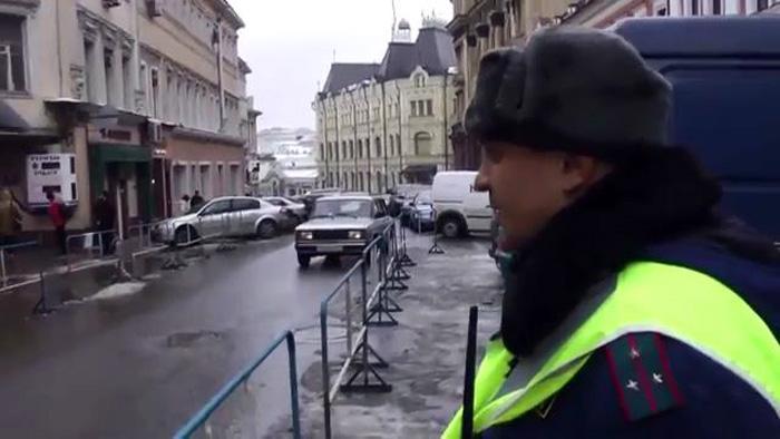 Незаконная выделенная полоса у Приемной ФСБ