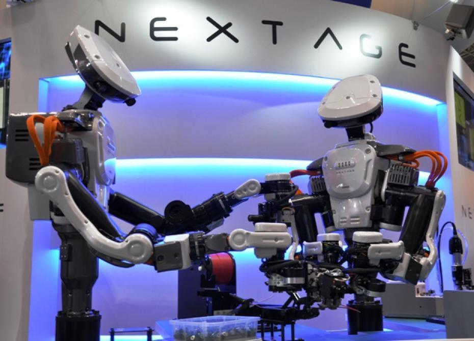 На японских заводах работают роботы-андроиды (видео)